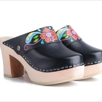 Black Kurbits Ultimate High Clogs