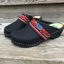 Black oil Ingunn Clogs