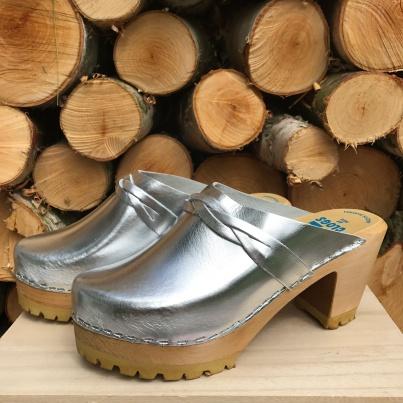 Silver High Heel Mountain clogs