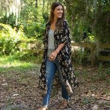 Black Roses Kelsey Kimono onesize 499:-