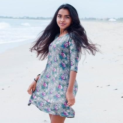 499:- Olive Floral Bailey Dress Size: S M & L