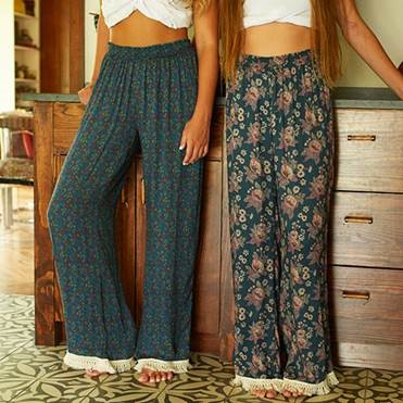 599:- Lounge Pants Relaxed mornings or cozy nights, our lounge pants are cut from super soft woven, loral print fabric and tipped with cream fringe. They are so comfy you'll never want to take them off. Size: S M & L