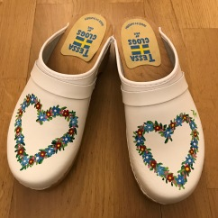 White heart clogs