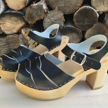 Black Mimmi Ultimate High clogs
