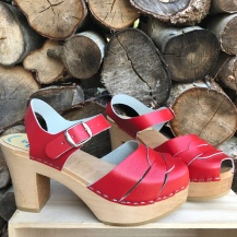 Red Mimmi Ultimate High clogs