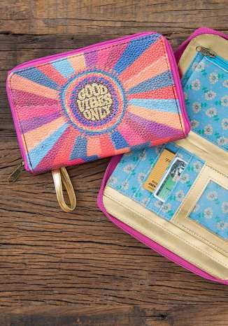 449:-Good Vibes Only Zip Wristlet