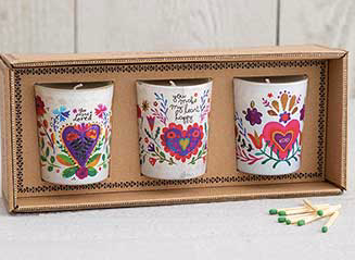 299:- LOVE soy candles 3st