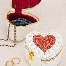 249:-Heart Jewelry Round