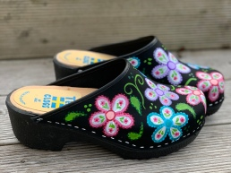 Black OilBlack Oil Flowerpower Soft Clogs